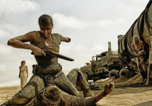 Mad Max[colon]Fury Road_Furiosa and Max fight